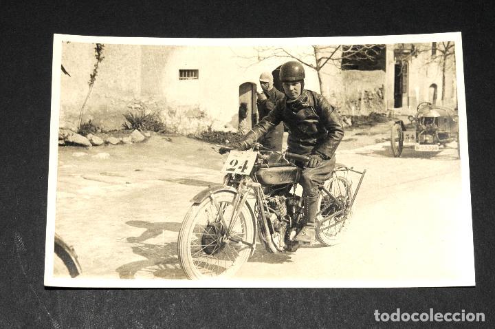 TARJETA POSTAL FOTOGRAFIA MOTO EN CARRERAS (Postales - Postales Temáticas - Coches y Automóviles)