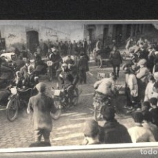 Postales: TARJETA POSTAL FOTOGRAFIA MOTOS EN CARRERAS. Lote 122939523