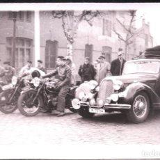 Postales: TARJETA POSTAL FOTOGRAFIA COCHES Y MOTOS EN CARRERAS. Lote 125869583