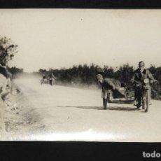 Postales: TARJETA POSTAL FOTOGRAFIA MOTO CON SIDECAR EN CARRERAS. Lote 126217595