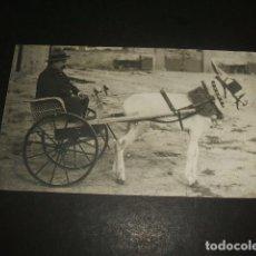 Postales: HOMBRE EN CARRO TIRADO POR BURRO POSTAL FOTOGRAFICA. Lote 128389571