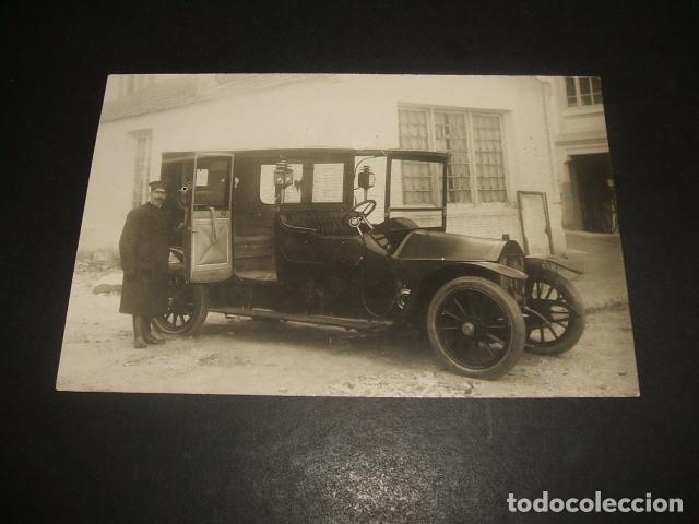 MADRID POSTAL FOTOGRAFICA AUTOMOVIL BERLIET MATRICULA MADRID 1230 CON CHOFER (Postales - Postales Temáticas - Coches y Automóviles)