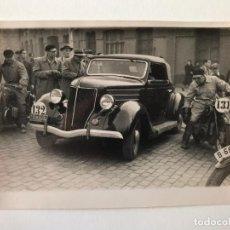 Postales: TARJETA POSTAL FOTOGRAFIA COCHES Y MOTOS EN CARRERAS. Lote 129546203