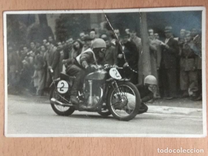 Postales: LOTE DE 4 FOTOGRAFIAS CARRERAS DE MOTOS - Foto 4 - 132335070