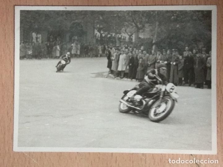Postales: LOTE DE 4 FOTOGRAFIAS CARRERAS DE MOTOS - Foto 5 - 132335070