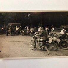 Postales: TARJETA POSTAL FOTOGRAFIA MOTOS EN CARRERAS. Lote 133184034