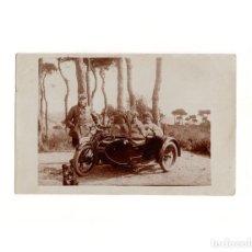 Postales: BARCELONA.- MOTORISTA CON SIDECAR.- POSTAL FOTOGRÁFICA.. Lote 165549738
