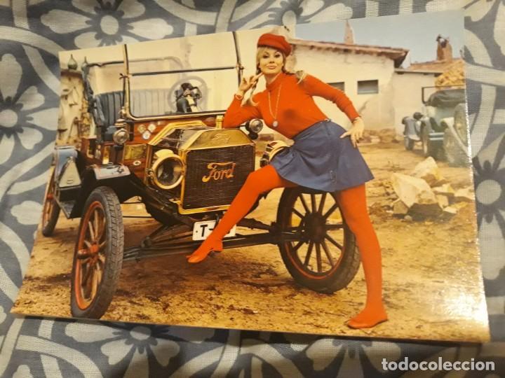 ANTIGUA POSTAL COCHE ANTIGUO Y CHICA (AÑOS 60) A ESTRENAR* (Postales - Postales Temáticas - Coches y Automóviles)