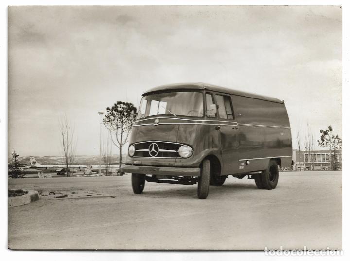 FURGONETA MERCEDES BENZ L 319 - 17,2 12,6 CM (Postales - Postales Temáticas - Coches y Automóviles)