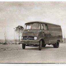 Postales: FURGONETA MERCEDES BENZ L 319 - 17,2 12,6 CM. Lote 197969678