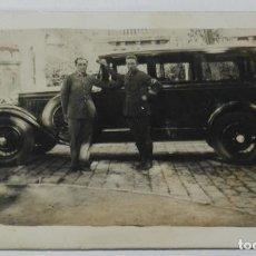 Postales: FOTO POSTAL DE CHOFER CON AUTOMOVIL, AÑO 1920 APROX. NO CIRCULADA.. Lote 199998057