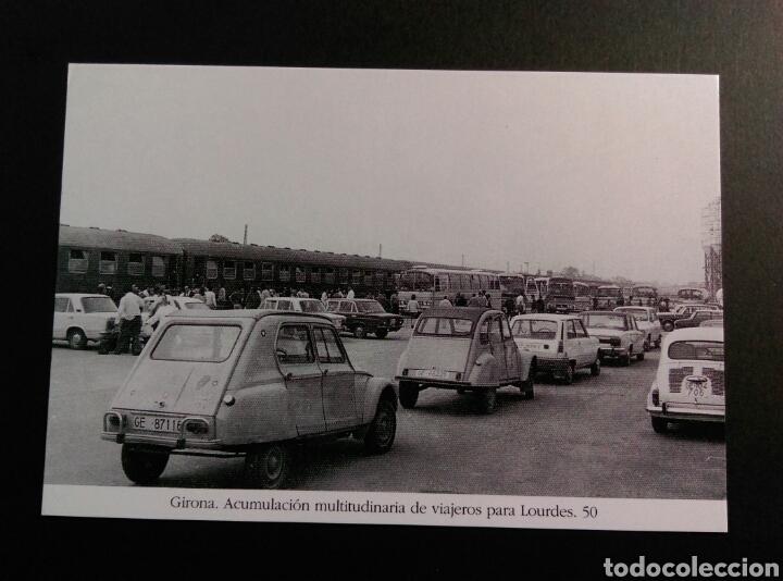 GIRONA ACUMULACION MULTITUDINARIA DE VIAJEROS PARA LOURDES 50 CITROEN SEICIENTOS 600 RENAULT SEAT (Postales - Postales Temáticas - Coches y Automóviles)