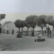 Postales: FOTOGRAFIA DE KART DE CARRERAS, KART RACING,1965, FOTOGRAFIA A. IBAÑEZ, 1965, MIDE 18 X 12,3 CMS.. Lote 204608127