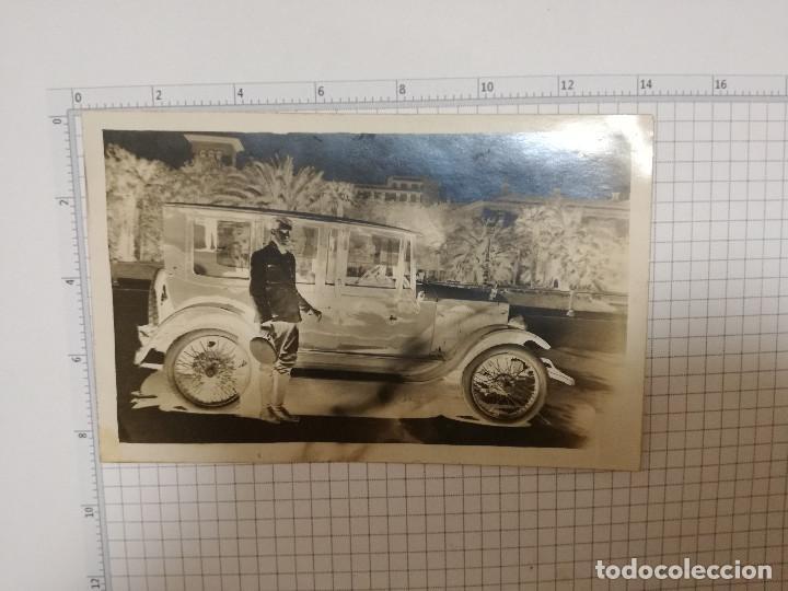FOTO POSTAL - ANTIGUO COCHE CHOFER AÑOS 20 (Postales - Postales Temáticas - Coches y Automóviles)