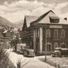 Postales: VALLE DE ARAN 152 HOTEL LACREU VEHICULOS APARCADOS. Lote 218476860