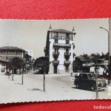 Postales: FUENTERRABIA - HONDARRIBIA GUIPÚZCOA POSTAL ANTIGUA ORIGINAL COCHE EPOCA. Lote 224624926