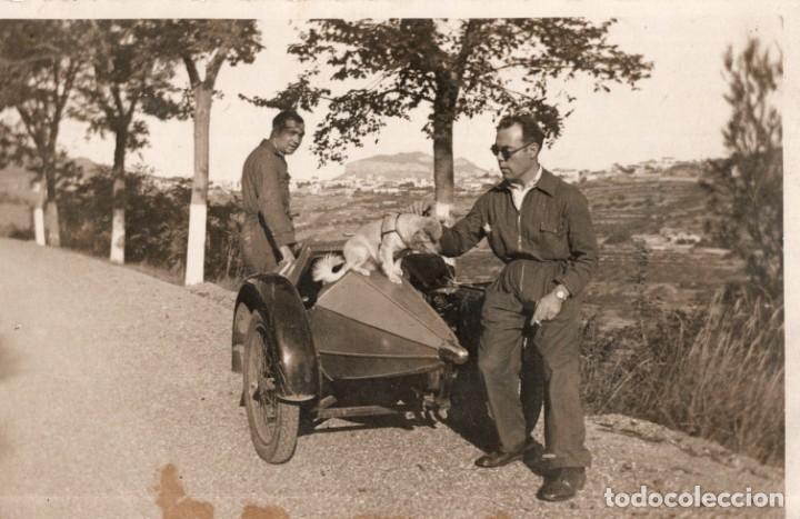 MOTO CON SIDECAR. DE SANT MIQUEL DEL FAY A SANT FELIU DE CODINES 1932 (Postales - Postales Temáticas - Coches y Automóviles)