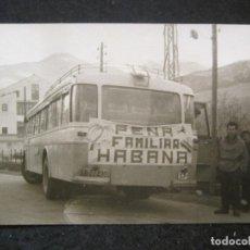 Postales: AUTOCAR PEÑA FAMILIAR HABANA-FOTOGRAFICA-POSTAL ANTIGUA-(84.141). Lote 289354218