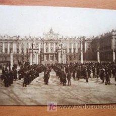 Postales: MADRID - PALACIO REAL. PLAZA DE LA ARMERÍA - GRAFOS MADRID Nº 17 - P. SIGLO XX. Lote 23220386