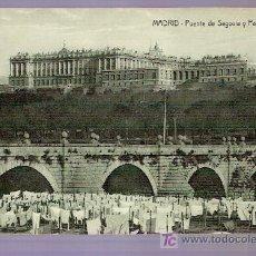 Postales: TARJETA POSTAL DE MADRID. PUENTE DE SEGOVIA Y PALACIO REAL. M. PALOMEQUE, ARENAL, 17 - MADRID.. Lote 4614739