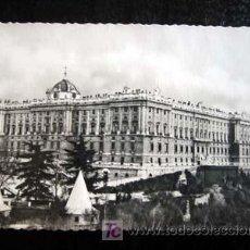 Postales: POSTAL DE MADRID. PALACIO NACIONAL. CIRCULADA 1950.. Lote 4889986