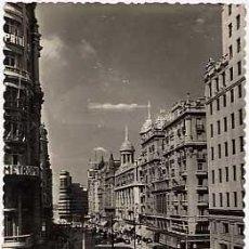 Postales: MADRID, VISTA PARCIAL DE AVENIDA DE JOSE ANTONIO, CIRCULADA. Lote 5188890