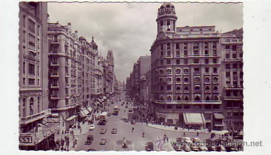 MADRID: AVENIDA DE JOSE ANTONIO: POSTAL ED. GARCIA GARRABELLA CIRCULADA 1956 CORREO AEREO A USA (Postales - España - Madrid Moderna (desde 1940))