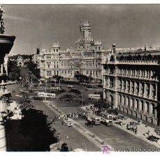 Postales: MADRID - CALLE Y PUERTAS DE ALCALÁ AL FONDO - . Lote 26681545