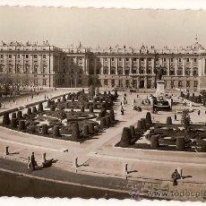 Postales: ANTIGUA POSTAL 111 MADRID PLAZA DE ORIENTE PALACIO NACIONAL ED G.GARRABELLA. Lote 10392279