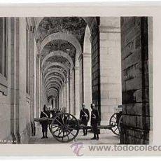 Postales: POSTAL FOTOGRAFICA. MADRID, UN CORREDOR DEL PALACIO REAL. HISPANIC SOCIETY OF AMERICA. Lote 18834670