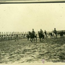 Postales: POSTAL FOTOGRAFICA REY ALFONSO XIII EN CARABANCHEL PASA REVISTA A TROPAS 1909 MADRID. Lote 15951650