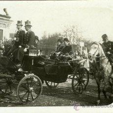 Postales: POSTAL FOTOGRAFICA ALFONSO XIII PASEO EN CARROZA. Lote 16325267