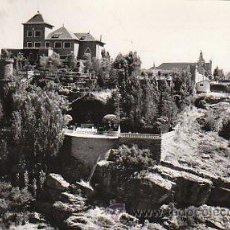 Postales: MIRAFLORES DE LA SIERRA (MADRID), HOTEL CASTILLO Y GRUTA VIRGEN DE BEGOÑA, ESCRITA 1965 (VER DORSO). Lote 26697396