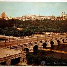 Postales: MADRID. PUENTE DE SEGOVIA Y RIO MANZANARES.. Lote 23677885