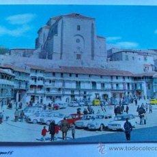 Postales: MADRID N° 2, CHINCHON, PLAZA MAYOR IGLESIA PARROQUIAL. FOTO SALAS. Lote 27035299