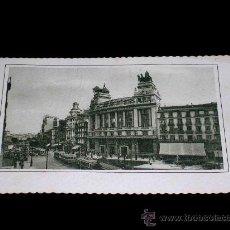 Postales: ANTIGUA POSTAL MADRID, EDIFICIO DEL BANCO DE BILBAO Y CALLE ALCALÁ, CIRCULADA AÑO 1948.. Lote 26024352