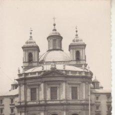 Postales: MADRID.Nº90 IGLESIA DE S.FRANCISCO EL GRANDE.GARCIA GARABELLA.BUS, COCHES CLASICOS. Lote 27634443