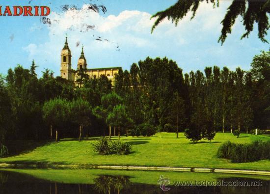 MADRID 4418 PARQUE DE ATENAS. AL FONDO CATEDRAL ALMUDENA COLECCIÓN PERLA ESCRITA CIRCULADA SELLO (Postales - España - Madrid Moderna (desde 1940))