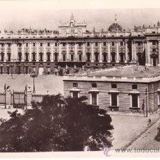 Postales: Nº 11699 MADRID PALACIO DE ORIENTE PLAZA DE LA ARMERIA. Lote 30327371