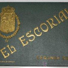 Postales: ANTIGUO LIBRO DE 18 VISTAS DE EL ESCORIAL, ENCUADERNACION LUJO, CON LETRAS Y ESCUDO EN RELIEVE COLOR. Lote 30799713
