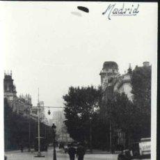 Postales: MADRID.- FOTO SOMOZA 1939- CALLE ALCALÁ VISTA DESDE PUERTA ALCALÁ. Lote 32695924