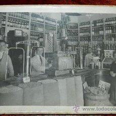 Postales: ANTIGUA FOTOGRAFIA DE TIENDAS DE ULTRAMARINOS EN MADRID QUE ESTABA EN LA CALLE MONSERRAT ESQUINA CON. Lote 36007759