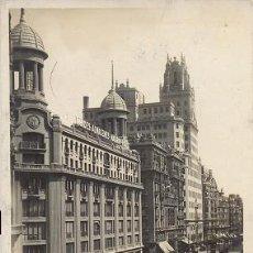 Postales: RARA POSTAL FOTOGRAFICA DE LA GRAN VIA DE MADRID - 1932 - RAPIDE. Lote 36937290