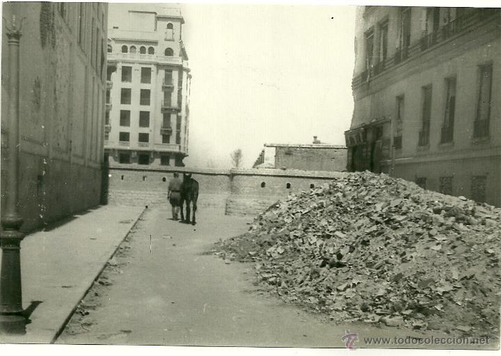 MADRID.- FOTO PANDO HNOS- CALLE DE BENITO GUTIERREZ-AÑO 1939 - MEDIDAS 16,5 X 11 CMS (Postales - España - Comunidad de Madrid Antigua (hasta 1939))