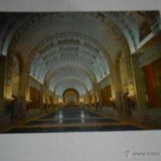 Postales: POSTAL VALLE DE LOS CAÍDOS. CRIPTA BASÍLICA. EDITADA 1960. Lote 41611761