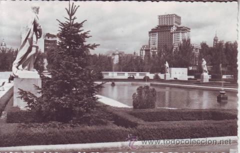MADRID. PALACIO REAL: JARDINES. HELIOTIPIA ARTÍSTICA ESPAÑOLA. (Postales - España - Madrid Moderna (desde 1940))