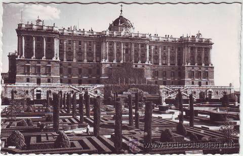 MADRID. JARDINES DE SABATINI Y FACHADA NORTE DEL PALACIO NACIONAL. (Postales - España - Madrid Moderna (desde 1940))