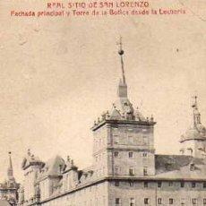 Postales: REAL SITIO DE SAN LORENZO FACHADA PRINCIPAL Y TORRE DE LA BOTICA DESDE LA LECHERIA CASTAÑEIRA . Lote 42235095