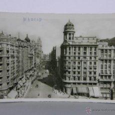 Postales: POSTAL CIRCULADA MADRID AVENIDA DE JOSÉ ANTONIO 14, 5 X 9, 5 CM. Lote 42951985