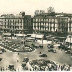 Postales: ANTIGUAS POSTALES - PUERTA DEL SOL, CIRCULADA 1954. Lote 45738977